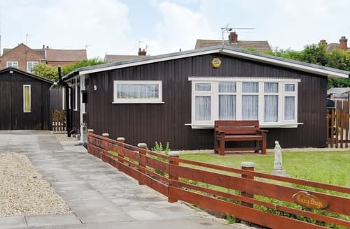 Last Minute Cottages - Attractive Mablethorpe Apartment S15840