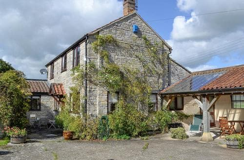 Last Minute Cottages - The Old Haybarn
