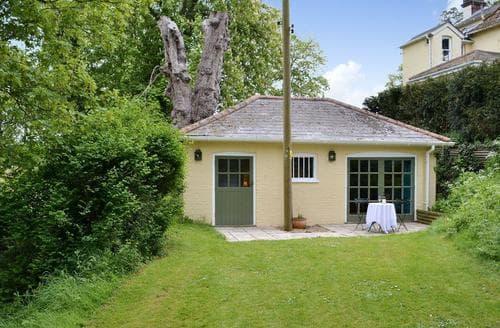 Last Minute Cottages - Tasteful Sudbury Lodge S79216