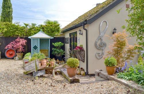 Last Minute Cottages - Quaver's Rest