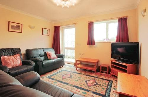 Last Minute Cottages - Cosy Ledbury Cottage S80143