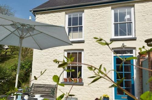 Last Minute Cottages - Glyn Y Mor