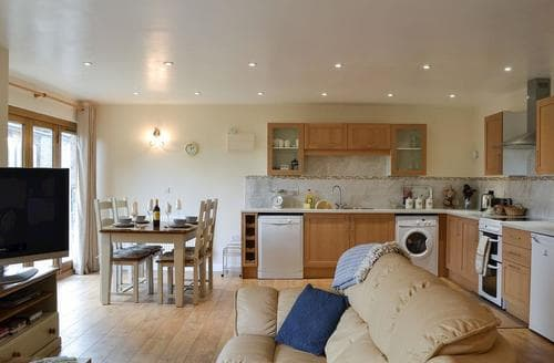Last Minute Cottages - Captivating Bishops Castle Cottage S80440