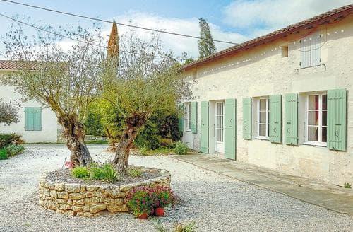 Last Minute Cottages - Chez Chabot - F17355