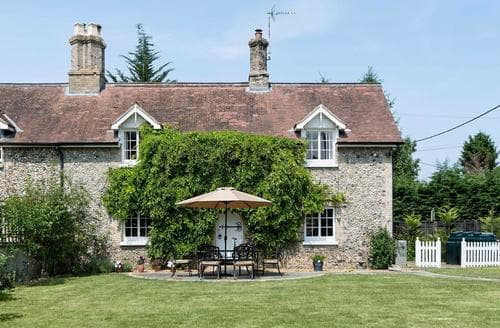 Last Minute Cottages - Cosy Thetford Lodge S82921