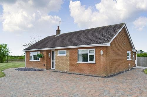 Last Minute Cottages - Tasteful Mablethorpe Cottage S81949