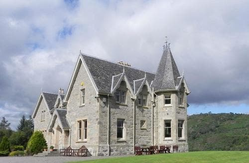 Last Minute Cottages - Luxury Lairg Lodge S85350