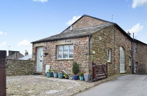 Last Minute Cottages - Highfield Barn
