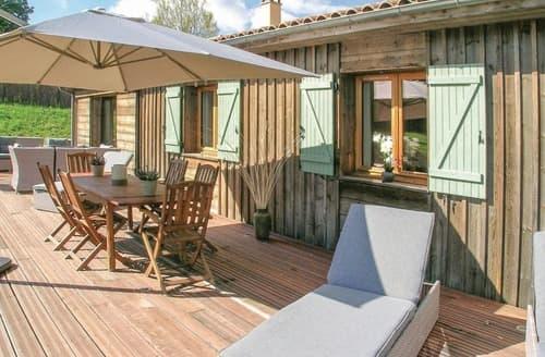 Last Minute Cottages - Maison Maytri