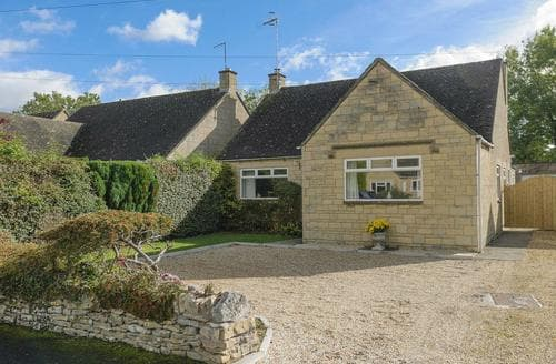 Big Cottages - Gorgeous Bourton On The Water Cottage S86264