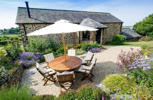 Last Minute Cottages - Luxury Holsworthy Cottage S94311