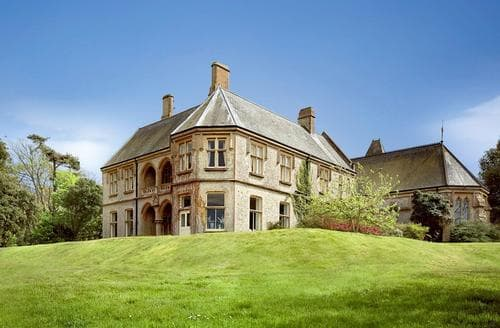 Last Minute Cottages - Weston Manor House