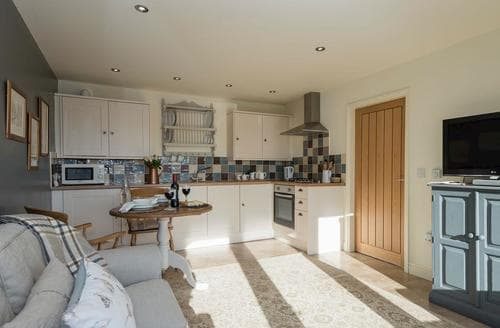 Last Minute Cottages - Cosy Louth Cottage S87822