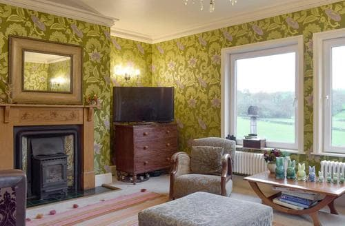 Last Minute Cottages - Foxley Bank Stables Main House - UKC2563