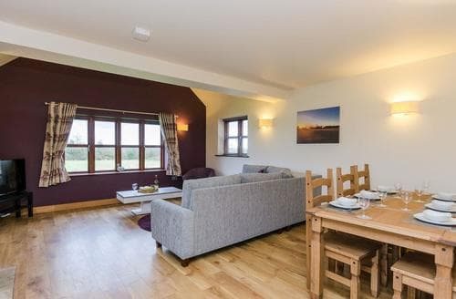 Last Minute Cottages - Cosy Stafford Cottage S89508