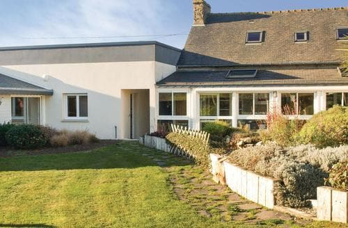 Last Minute Cottages - La Maison des Arbustes