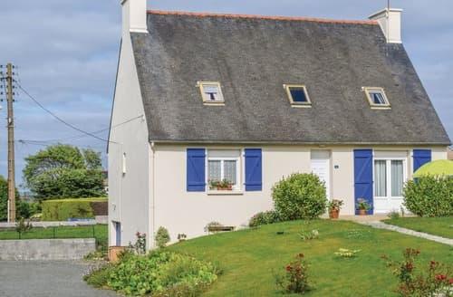 Last Minute Cottages - La Maison avec les Volets Bleus
