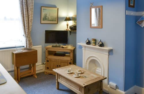 Last Minute Cottages - Charming Cromer Apartment S92405