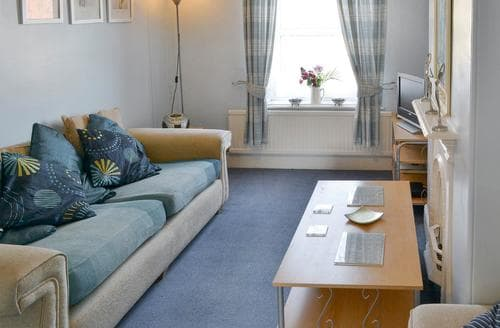Last Minute Cottages - Apt 5 Hickling - UKC2716