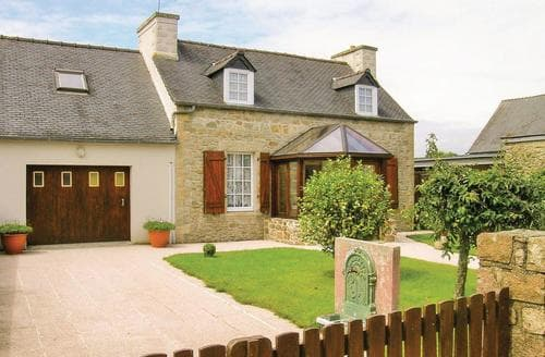 Last Minute Cottages - Le Cloitre St Thegonnec