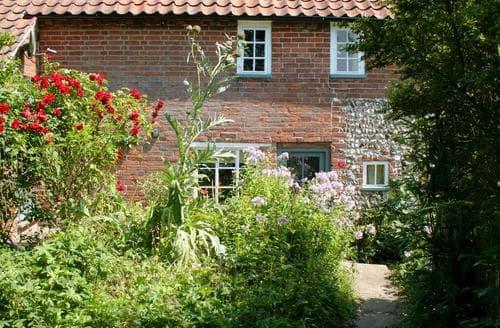 Last Minute Cottages - Pear Tree Cottage