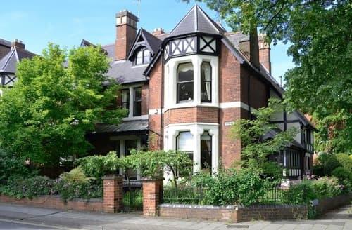 Last Minute Cottages - Tasteful Gloucester Cottage S94652
