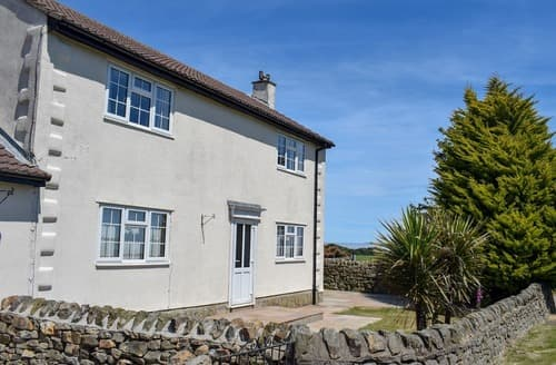 Big Cottages - Gorgeous Harwood Dale Cottage S101357