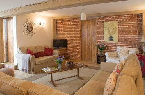 Last Minute Cottages - Stunning Halesworth Cottage S96723
