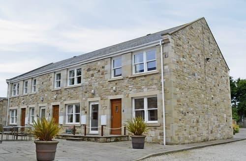 Last Minute Cottages - Quaint Beadnell Apartment S37355