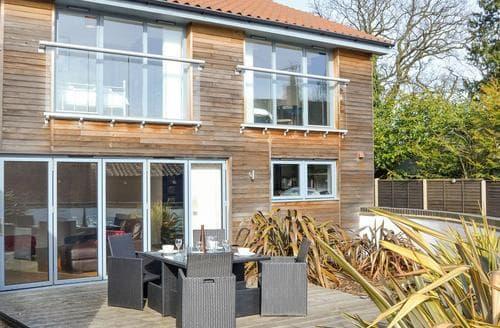 Last Minute Cottages - Tenison House