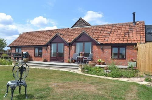 Last Minute Cottages - Luxury Trowbridge Cottage S113571