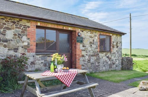 Last Minute Cottages - Damson
