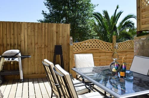 Last Minute Cottages - Excellent Ventnor Apartment S105837