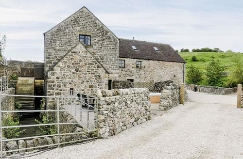 Last Minute Cottages - Water Mill