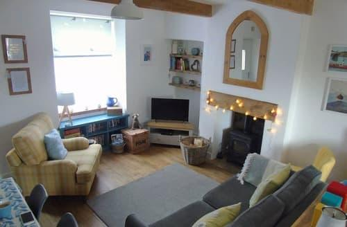 Last Minute Cottages - Lovely Haworth Cottage S98503