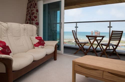 Last Minute Cottages - Quaint Westward Ho! Apartment S132591