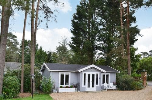 Last Minute Cottages - Gorgeous Wimborne Lodge S44454