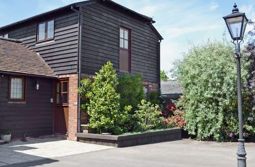 Last Minute Cottages - Oast Cottage