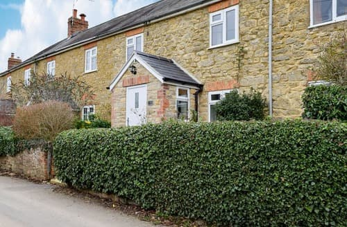 Last Minute Cottages - Tasteful Pury End Cottage S129285