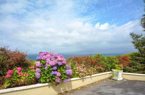 Last Minute Cottages - Carraig House