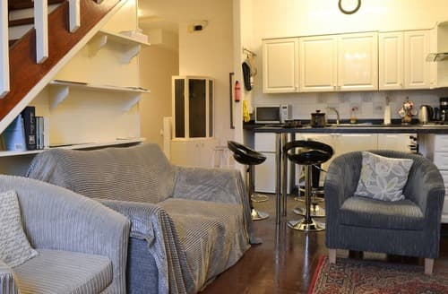 Last Minute Cottages - Cosy Ingleton Apartment S129310