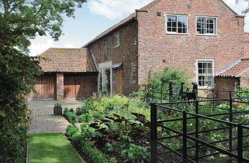 Last Minute Cottages - Moxby Priory Cottage