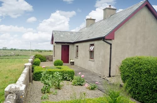 Last Minute Cottages - Stunning Ballinrobe Lodge S24091