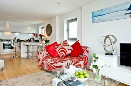 Last Minute Cottages - Splendid Newquay Apartment S132603