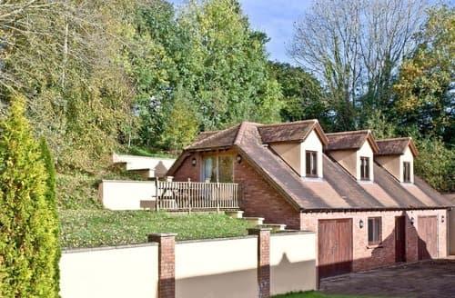 Last Minute Cottages - Cosy Paignton Cottage S132649