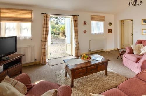 Last Minute Cottages - Gorgeous Sandown Cottage S132751