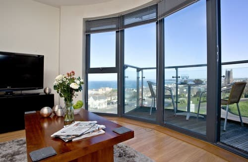 Last Minute Cottages - Inviting Newquay Apartment S132756
