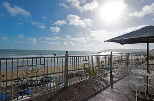 Last Minute Cottages - Adorable Sandown Apartment S132838