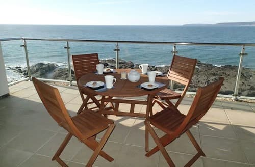 Last Minute Cottages - Quaint Westward Ho! Apartment S132827