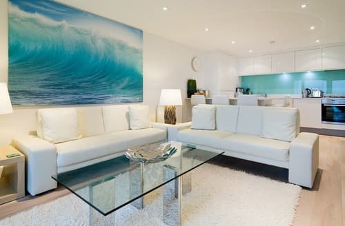 Last Minute Cottages - Lovely Newquay Apartment S132859